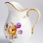 Фарфоровый молочник (сливочник) Neuosier, исторический декор N65 «Цветы и фрукты». KPM Berlin