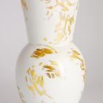 Фарфоровая ваза Halle с золотыми штрихами. KPM Berlin