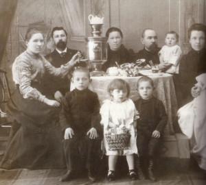 Семейное чаепитие, 1910-е гг.