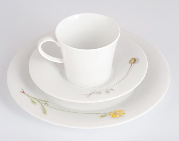 Фарфоровый  набор для завтрака на одну персону Pianta «Полевые цветы», кровохлебка малая, солнцецвет. KPM Berlin