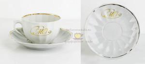 Золотой вензель на чашке и блюдце Гарднеръ