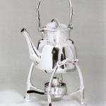 Чайник на керосиновой плитке, серебро, ок.1903