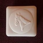 Фарфоровая шкатулка «Лошадь» с бисквитным медальоном, специальный выпуск. KPM Berlin