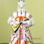 Штоф фарфоровый Коза с балалайкой и колокольчиком, подарок в русском стиле. Промыслы Вербилок