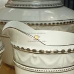 Фарфоровый сервиз чайный Kurland (Курланд), лимитированный выпуск, роспись платиной, жемчужно-серый фон, с подставкой для подогрева, декор 24. Великая фарфоровая мануфактура KPM Berlin