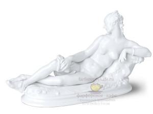 """Скульптура """"Отдыхающая"""". Пауль Шойрих, модерн, KPM Berlin. По форме 1912 года."""