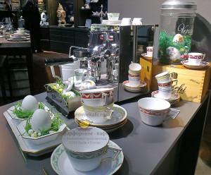 Бюротассе KURLAND. Дань пристрастию пить кофе в офисе из больших чашек. KPM Berlin, 2010 г. На основе сервиза 1790 г.