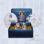 Набор фарфоровых новогодних ёлочных украшений (игрушек) из 2-х предметов «Дед Мороз и Снегурочка с Мишкой».  Мануфактуры Гарднеръ, Вербилки