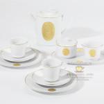 Фарфоровый кофейный сервиз Arkadia (Аркадия) с золотыми бисквитными медальонами. KPM Berlin