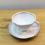 Фарфоровая чайная чашка «Восточная принцесса», белая с золотой окантовкой. Мануфактура Гарднеръ в Вербилках